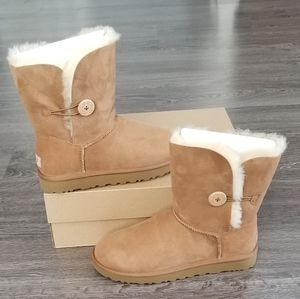 UGG BAILEY BUTTON II WATER-RESISTANT